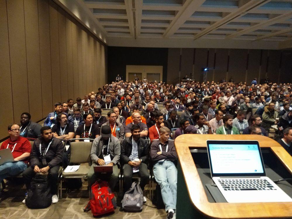 KubeCon2018-CoreDNSTalk-left.jpg